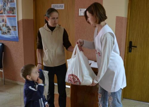 Ukrajina zbierka potravín Caritas Uzhorod (26)