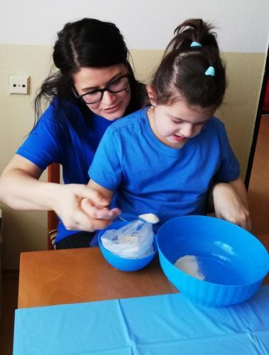 Na Svetový deň povedomia o autizme sme žiarili v modrom