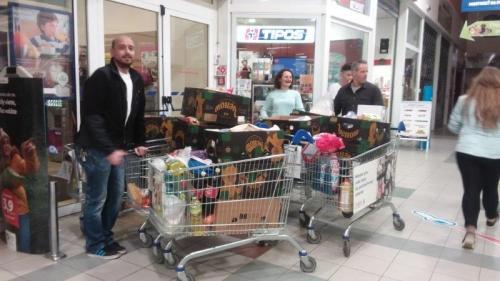 Tesco zbierka potravín (8)