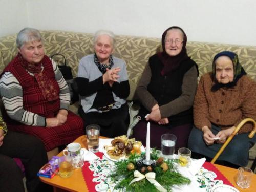 Vôňa Vianoc v našom zariadení pre seniorov (8)