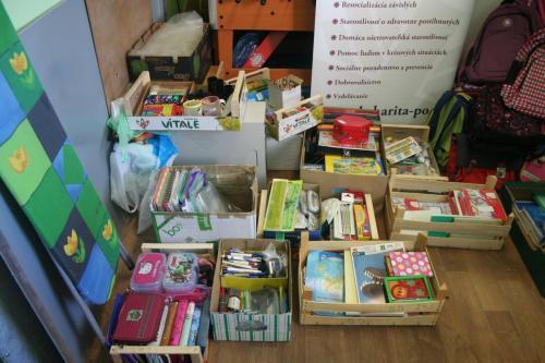 Zbierka školských pomôcok 2016 (12)