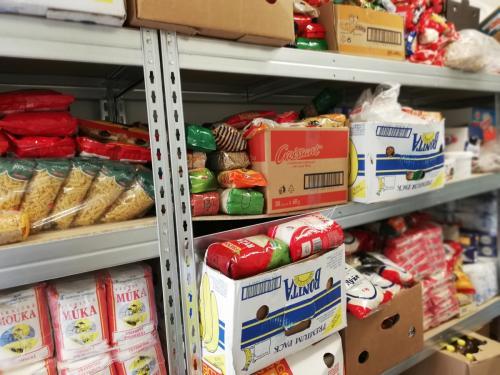 Zbierka trvanlivých potravín 2018 (9)